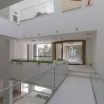 ساختمانی با نما و اتاق های متحرک در تهران ( خانه شریفی ها ) دانلود نقشه های معماری و تحلیل 30