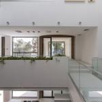 ساختمانی با نما و اتاق های متحرک در تهران ( خانه شریفی ها ) دانلود نقشه های معماری و تحلیل 7